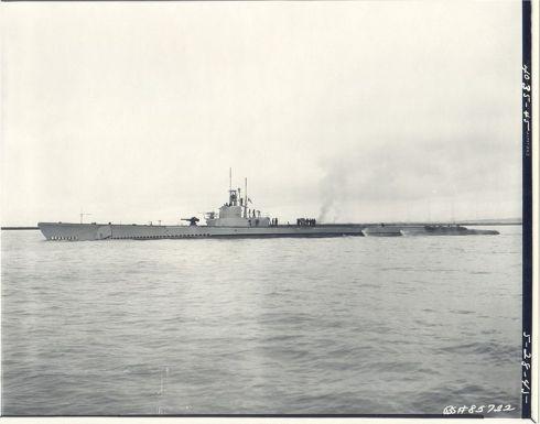 761px-USS_Pargo;0826401
